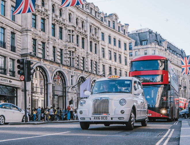 London Taxi and Bus driving near Covent Garden